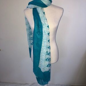 Turquoise and White Scarf!